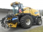 Feldhäcksler des Typs New Holland FR 9090 in Kleeth